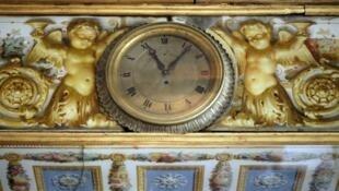 ساعة مطعم في باريس