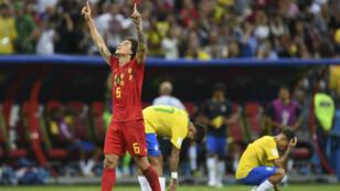 Le Belge Alex Witsel célèbre la victoire de son équipe face au Brésil, vendredi 6 juillet 2018.