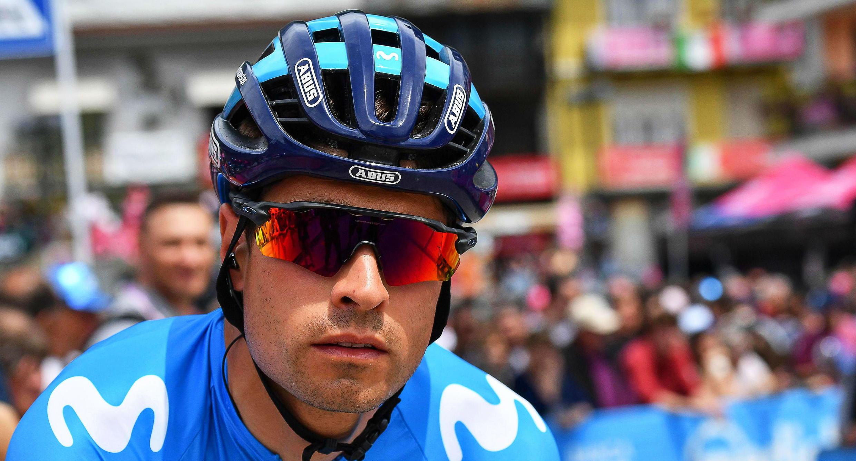 El español Mikel Landa, antes del comienzo de la etapa 14 del Giro de Italia en Saint Vincent. 25 de mayo de 2019.