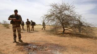 Soldats français en 2013 durant l'opération Serval, qui a précédé l'opération Barkhane au Mali.