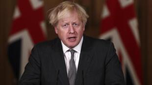Le Premier ministre britannique Boris Johnson, lors d'une conférence de presse au 10 Downing Street, le 30 décembre 2020