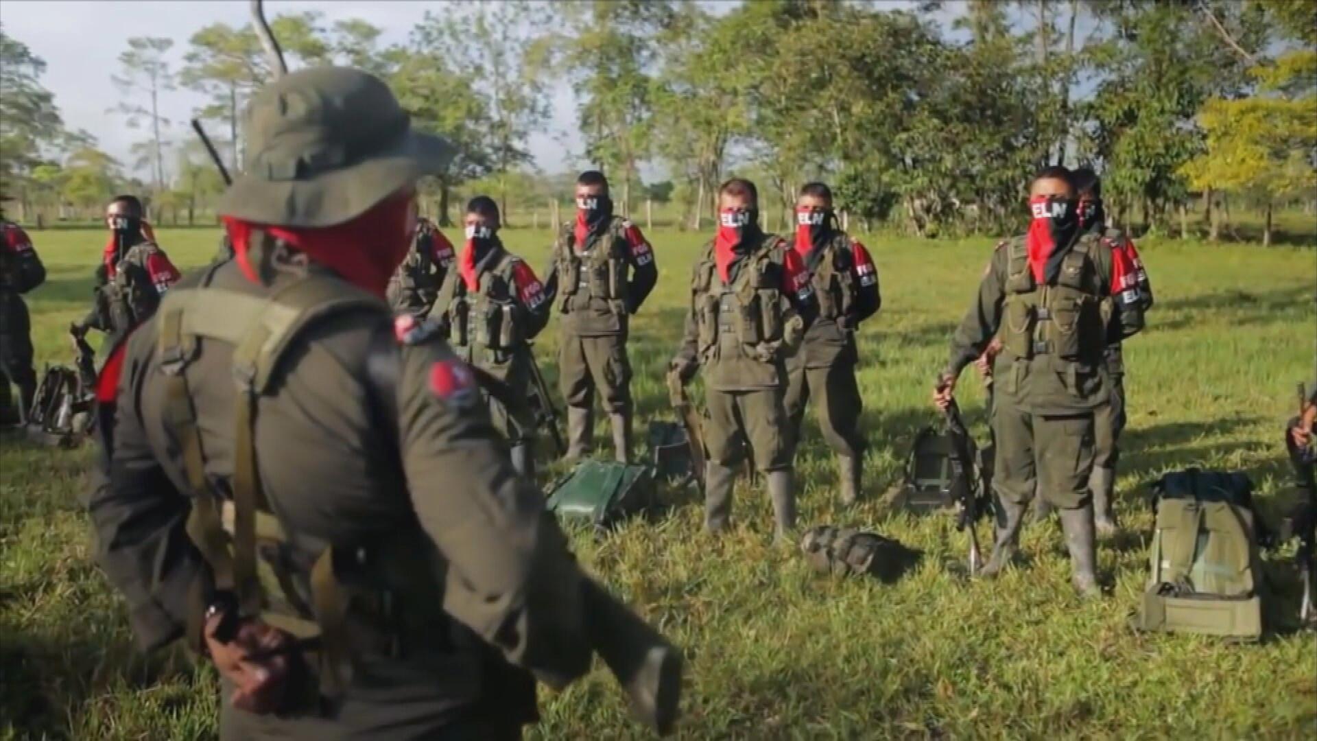 En Colombia, todavía opera una guerrilla tan antigua como las FARC, pero menos conocida: el Ejército de Liberación Nacional o ELN.