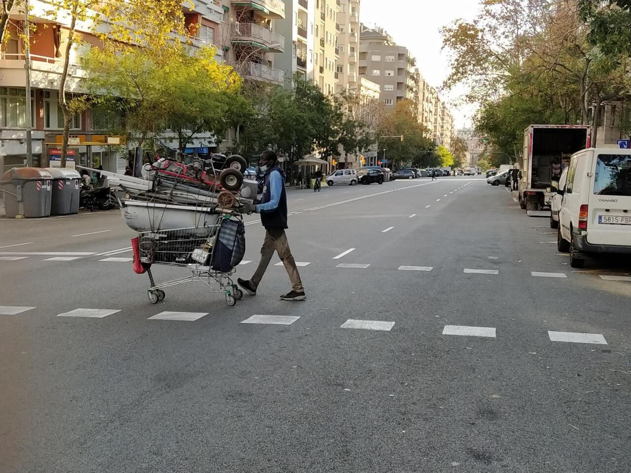 Migrantes Chatarreros En Barcelona La Cara Invisible Del Reciclaje 4 6