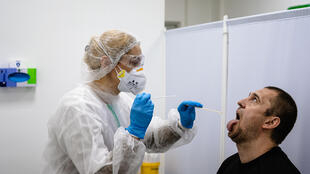 Russians can use a number of ways to get tested, whether at a laboratory, at work or at home