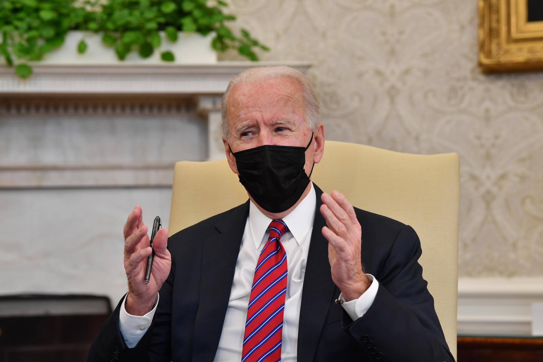 Le président américain Joe Biden dans le bureau ovale de la Maison Blanche, le 29 janvier 2021 à Washington