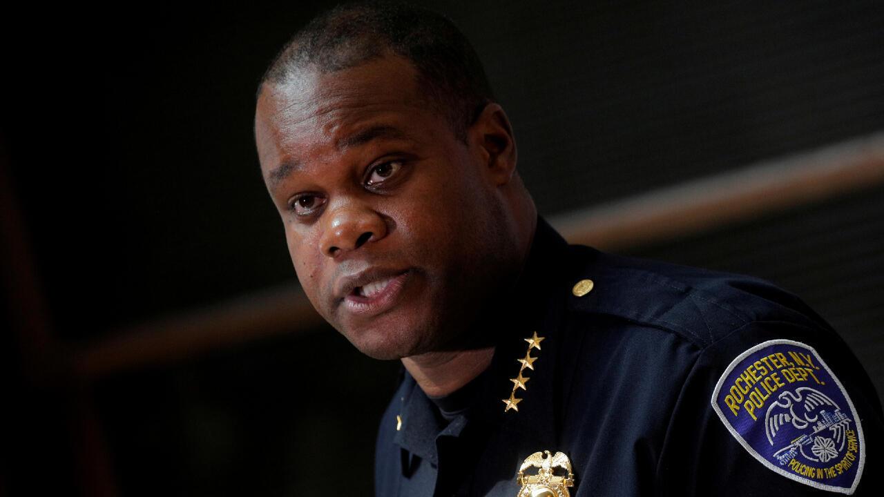 El jefe de la policía de Rochester, La'Ron Singletary, habla en una conferencia de prensa sobre las protestas en esa ciudad de Nueva York, el 6 de septiembre de 2020.