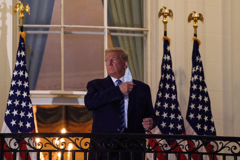 Donald Trump à son retour à la Maison Blanche le 5 octobre 2020, après trois jours à l'hôpital