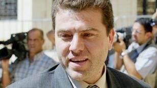 النائب السابق حسن يعقوب في بيروت في 2001