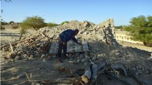 L'un des mausolées de Tombouctou détruit en 2012 par des jihadistes liés à Al-Qaïda, le 29 janvier 2013.