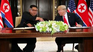 El presidente de Estados Unidos, Donald Trumo, durante la conferencia de prensa ofrecida tras la reunión con Kim Jong-Un en Singapur el 12 de junio de 2018.