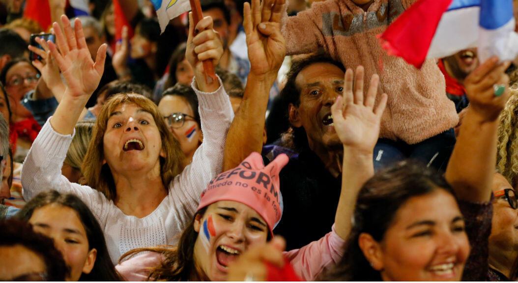 Simpatizantes del candidato presidencial Daniel Martinez, en Montevideo, Uruguay, el 27 de octubre de 2019.