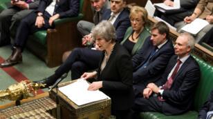 La primera ministra británica, Theresa May, habla durante un debate sobre su plan B del Brexit en el Parlamento de Reino Unido el 29 de enero de 2019.