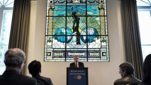 Les prix Pulitzer annoncé par le président du prestigieux prix, Mike Pride (photo), lundi 18 avril.