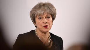 """Theresa May mostró su preocupación y calificó el intento de asesinato como un acto que """"puso las vidas de civiles en riesgo""""."""