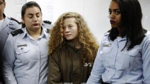 La jeune Ahed Tamimi au tribunal militaire de Beitunia, en Cisjordanie occupée, le 28 décembre 2017.