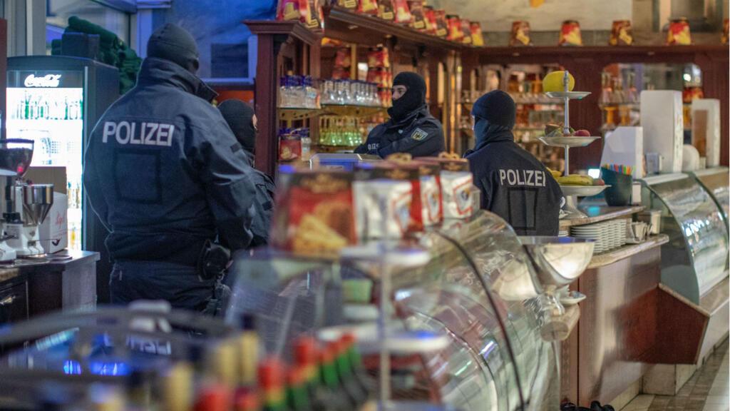 Suspected mafia members arrested in coordinated international raids