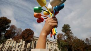 El 'Ramo de Tulipanes' del artista estadounidense Jeff Koons fue inaugurado este viernes 4 de octubre de 2019 en París, Francia.