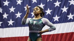 Simone Biles durante el Campeonato de gimnasia estadounidense de 2019 en el Sprint Center.