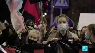 2021-01-28 08:13 Protests as Poland adopts near-total ban on abortion