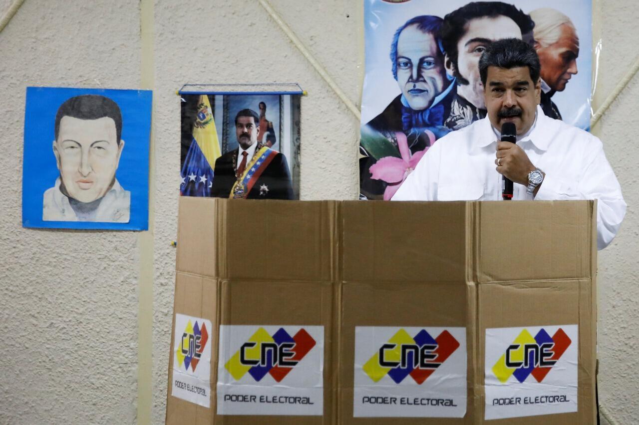 El presidente de Venezuela, Nicolás Maduro, participa en un simulacro de votación antes de las elecciones presidenciales del 20 de mayo en Caracas, Venezuela, el 6 de mayo de 2018.