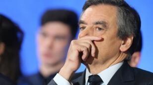Entendu mardi 14 mars 2017 par les juges, le candidat LR François Fillon a été mis en examen.