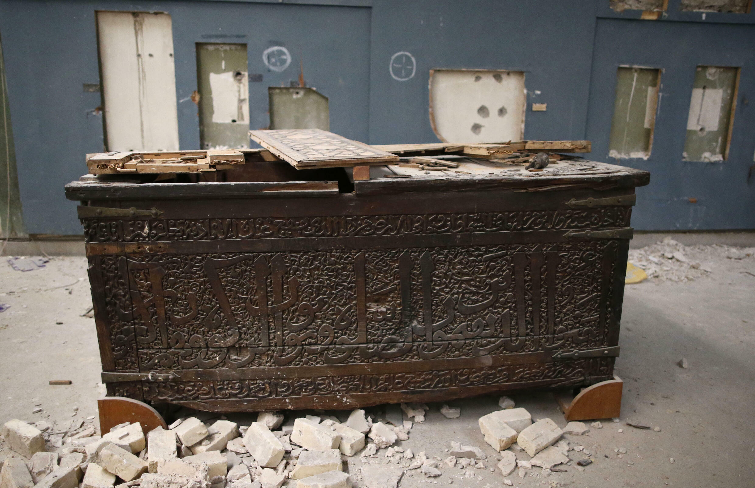 The Islamic State group's occupation of the ancient Iraqi city of Mosul was marked by iconic images of damage to priceless artifacts at the city's museum