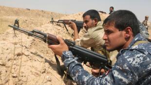 Des volontaires dans l'armée irakienne, à Diyala, le 23 juillet.