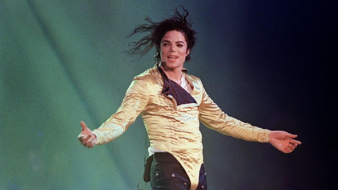 المغني الأمريكي الراحل مايكل جاكسون.