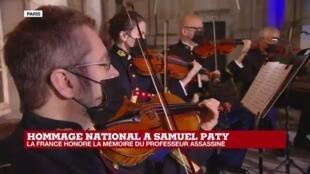 2020-10-21 20:03 Hommage national à Samuel Paty : la cérémonie s'achève sur une symphonie de Mozart