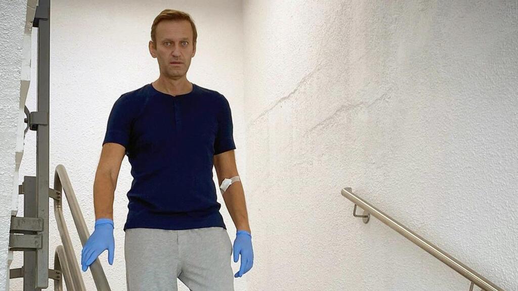 El opositor ruso Alexei Navalny en el hospital Charite de Berlín, el 19 de septiembre de 2020,  tras el presunto envenenamiento que sufrió a finales de agosto.