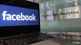 Cambridge Analytica est accusée d'avoir récupéré à leur insu les données de 50 millions d'utilisateurs de Facebook.