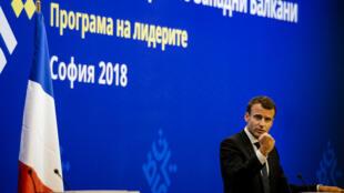 الرئيس الفرنسي إيمانويل ماكرون أثناء مشاركته بقمة الاتحاد الأوروبي في العاصمة البلغارية صوفيا 17 مايو/أيار 2018