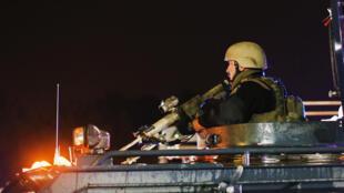 Les images de policiers équipés comme des militaires à Ferguson ont choqué l'opinion publique.