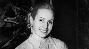 Retrato de Eva Perón, tomado en 1951 en Buenos Aires, Argentina.