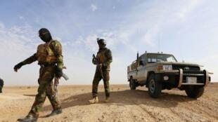 Les forces spéciales irakiennes mènent une operation contre des jihadistes dans la region de Wadi Shabjah, à 180 km de la ville de Najaf.