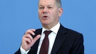 El ministro de Economía alemán, Olaf Scholz, habla durante una rueda de prensa el 14 de mayo de 2020 en Berlín