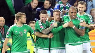 L'Irlande du Nord, qui n'avait plus participé à une grande compétition depuis le Mondial-86, a validé son billet pour l'Euro-2016.