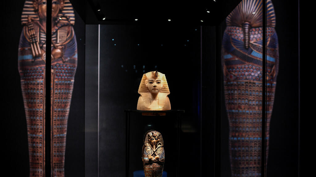 Paris Tutankhamun show sets new record for visitor numbers