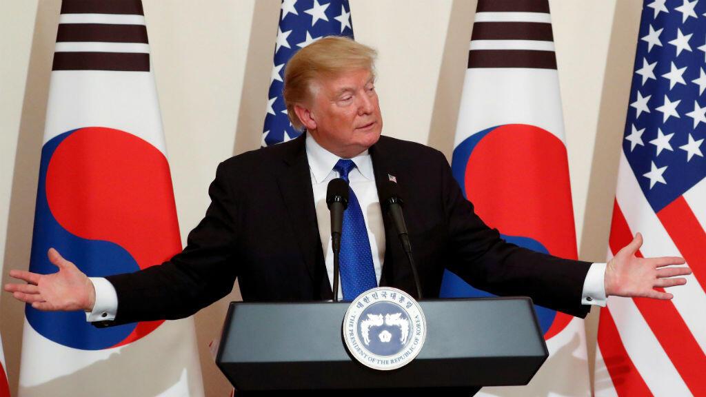 El presidente Donald Trump durante su discurso  en la Casa Azul en Seúl