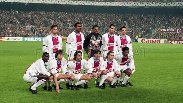فريق باريس سان جرمان تعادل أمام برشلونة في 1995 بكامب نو بهدف لهدف