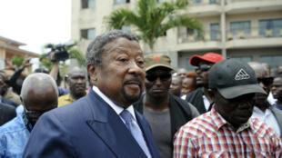 Jean Ping au siège de son parti à Libreville, le 22 septembre.