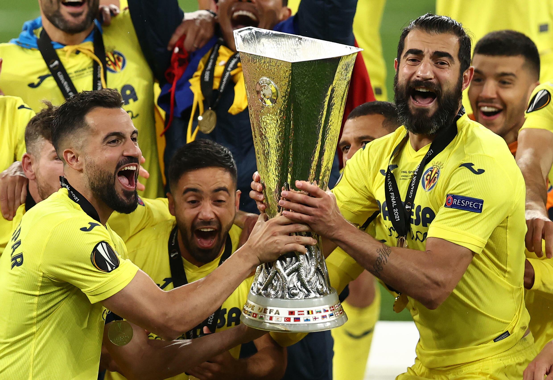 Villarreal a remporté son tout premier titre majeur en mai en soulevant la Ligue Europa