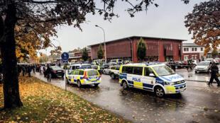 L'école de Trollhättan, en Suède, a été attaquée par un homme masqué qui a tué deux personnes le 22 octobre 2015.
