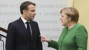 Emmanuel Macron et Angela Merkel lors d'un sommet européen, à Sibiu, en Roumanie, le 9 mai 2019.