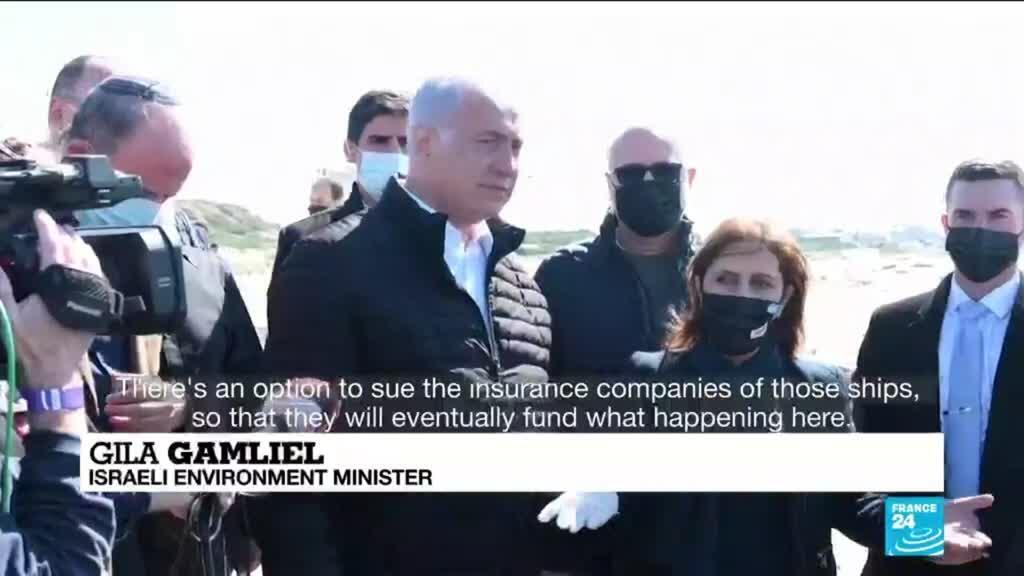 2021-02-22 11:11 Israel scrambles to clean beaches after massive tar pollution