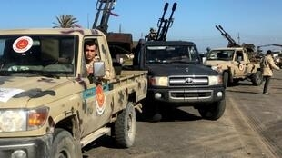 Forces loyal to Libya's UN-backed unity government have sent reinforcements to defend Tripoli