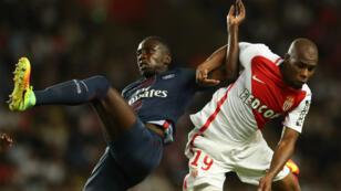 Duel entre le défenseur monégasque  Djibril Sidibe avec le milieu de terrain Blaise Matuidi au stade Louis-II, le 28 août 2016.