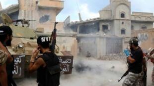 عناصر موالون لحكومة الوفاق الوطني يطلقون النار في سرت