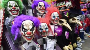 Des déguisements d'Halloween à Alhambra, en Californie, le 9 septembre 2020