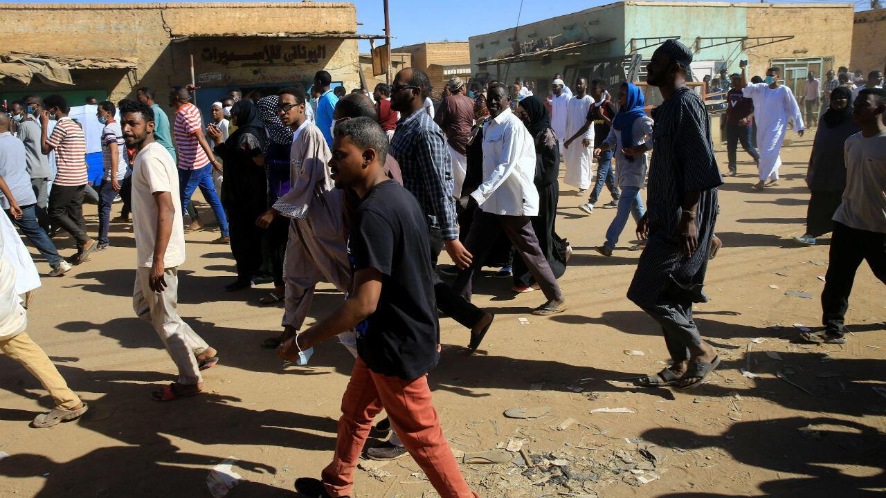 متظاهرون في الخرطوم بتاريخ 11 يناير/كانون الثاني 2019